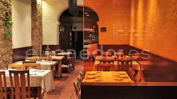 Euskal Etxea sala de restaurante montada