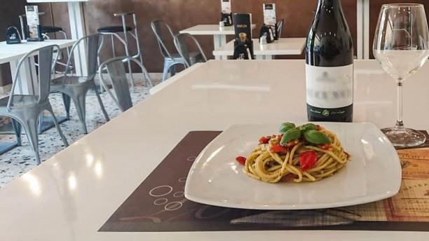 Pausa Spaghetti pesto e pomodorini