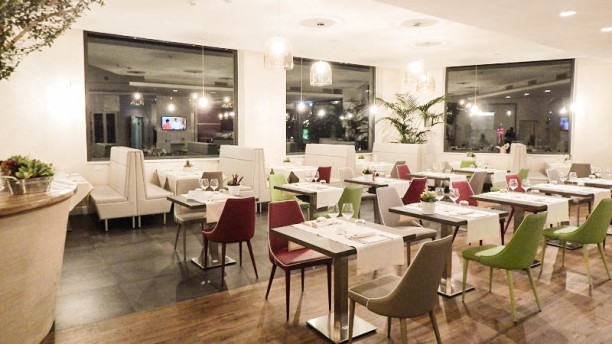 Lunch Bar & Restaurant Al 227 Sala