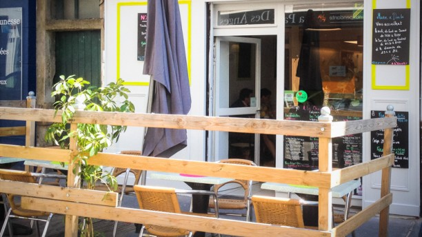 À La Chandeleur crêperie bistro La terrasse du restaurant