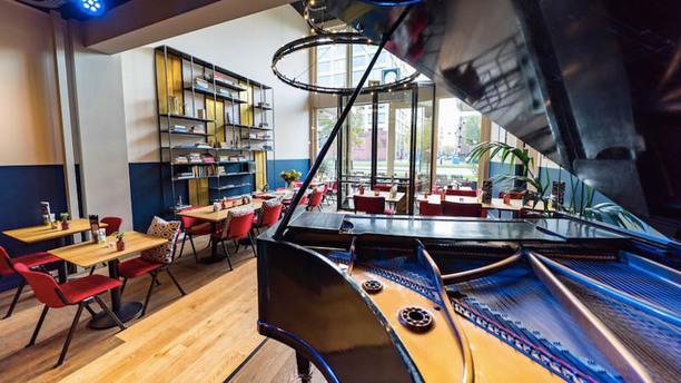 De Nieuwe Poort Rotterdam Restaurant