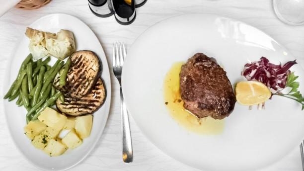 A le colonete piatto misto di carne e verdure