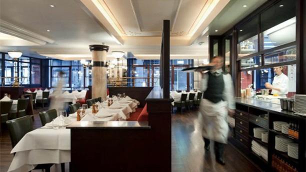 Brasserie FLO Amsterdam restaurantzaal
