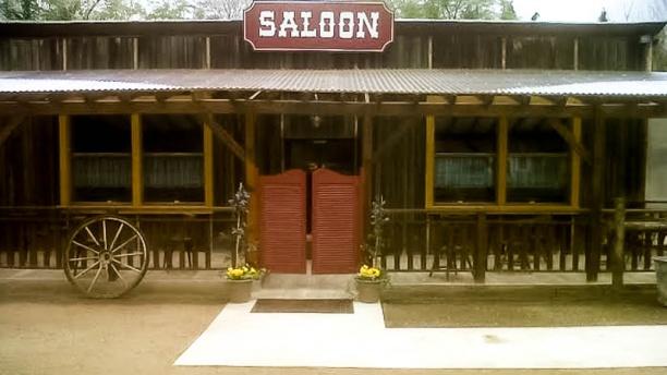 Le Saloon Vue devanture