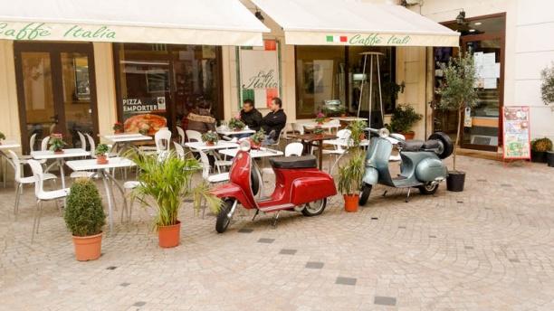 Caffe Italia Devanture et terrasse