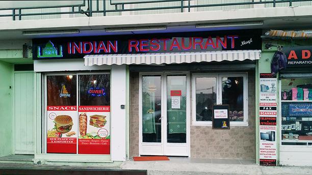 Indian Restaurant Mogal Devanture