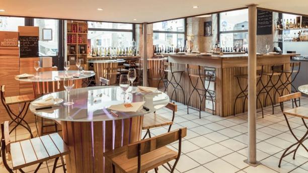 l 39 picerie comptoir croix rousse restaurant 3 place marcel bertone 69004 lyon adresse. Black Bedroom Furniture Sets. Home Design Ideas
