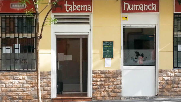 Taberna Numancia La entrada