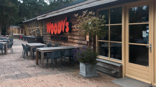 Woody's Pancakes & Steaks Ingang