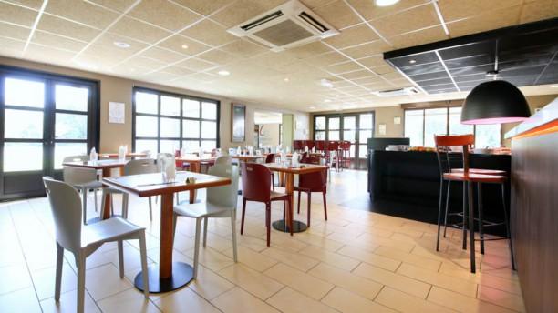 Hôtel Restaurant Campanile Vue de la salle