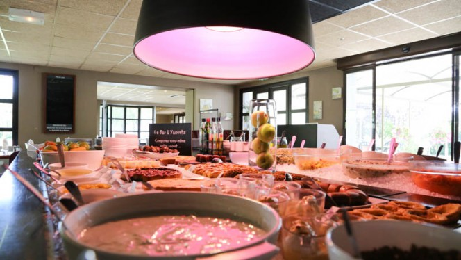 Buffet - Hôtel Restaurant Campanile, Aix-en-Provence