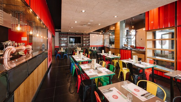 Pizza Garage Interno