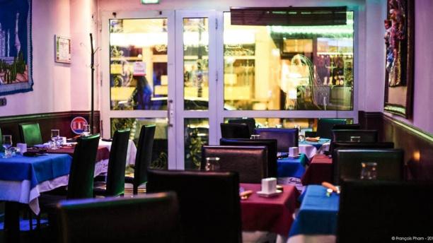 jodhaa 39 s restaurant 21 avenue de la r publique 78500 sartrouville adresse horaire. Black Bedroom Furniture Sets. Home Design Ideas