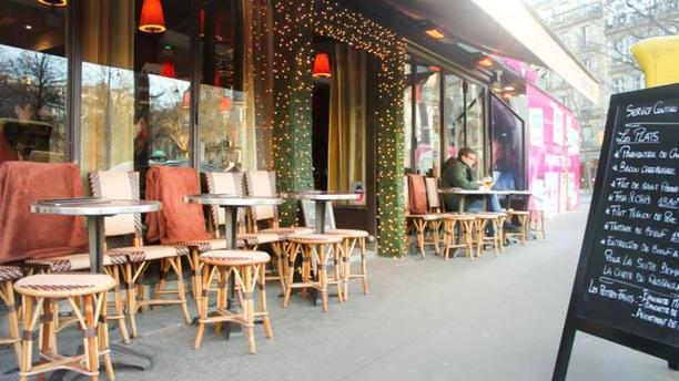 La Place entrée / terrasse