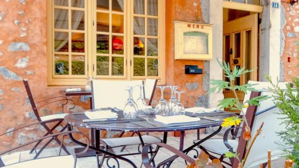 restaurant au go t du jour ch teau arnoux saint auban. Black Bedroom Furniture Sets. Home Design Ideas