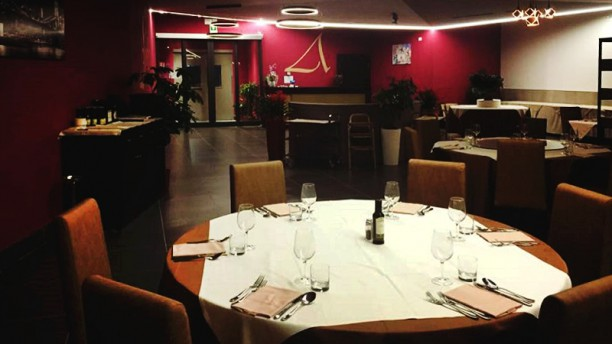 3Angle Restaurant La sala