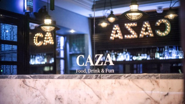 Caza Food Drink & Fun sala