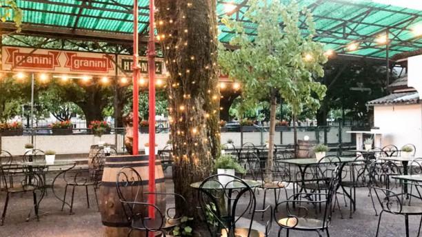 Café Restaurant l'Avenir Terrasse