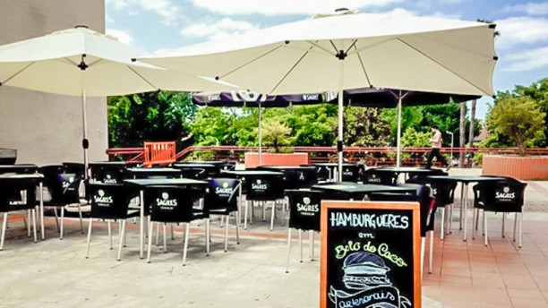 Momentus Burger Corner & Gin Bar Esplanada