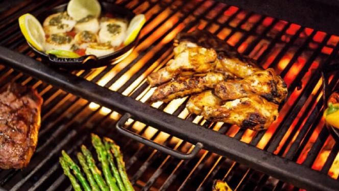Heerlijke gerechten bereid op onze houtskoolgrill! - The Smokehouse, Bunschoten-Spakenburg