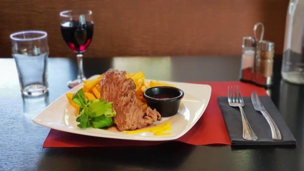 La Bonne Nouvelle La suggestion de notre Chef, toujours à la carte le midi : Bavette d'Aloyau à la plancha !