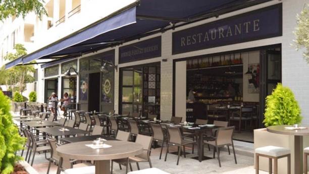 Paella's y Más Vista fachada