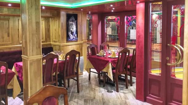 Royal Sylhet Salle du restaurant