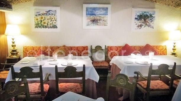 Les Graelles vista mesas y decoraciión