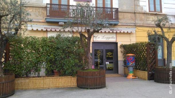 La Loggetta Piazza Mazzini esterno