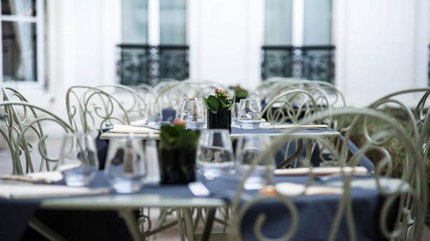 202 Rivoli - Restaurant & Terrasse Détail de la table