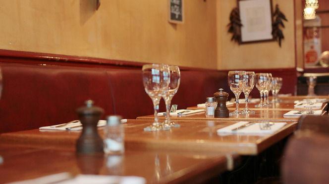Tables dressées - Les Bombis Bistrot, Paris