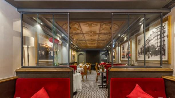 Le Napoleon III la salle du restaurant