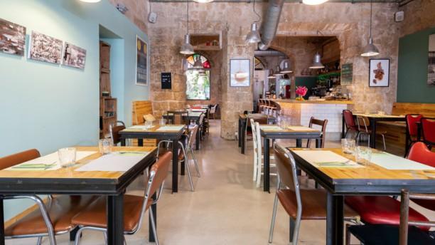Claxon, Cruce de Cocinas Vista Sala