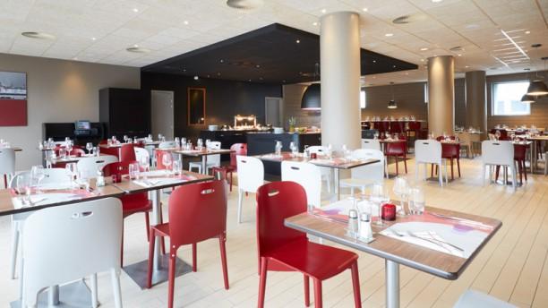 Campanile Lille Euralille Salle du restaurant