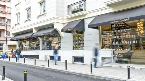 Milano Gourmet Exterior