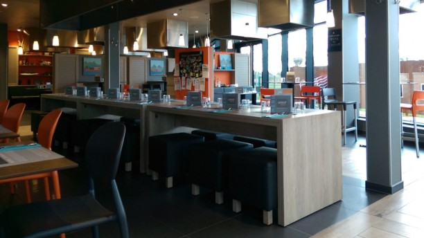 Adobo loco Lesquin Salle du restaurant
