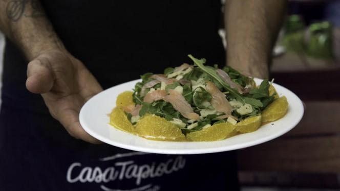 La nostra insalata salmone e arancia - Casa Tapioca, Milano