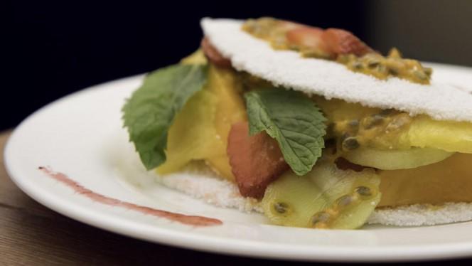 La nostra tapioca dolce con frutta fresca - Casa Tapioca, Milano