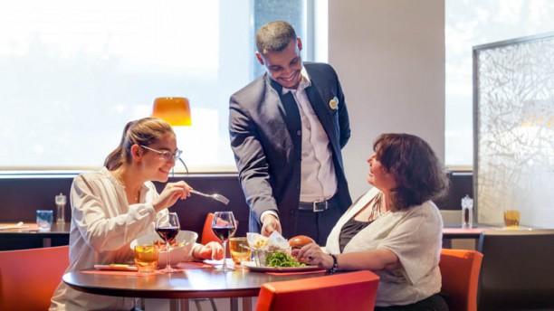 Novotel Café Paris la Défense Vue de la salle