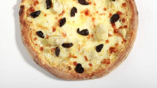 Olivia's Pizzeria Levent pizza