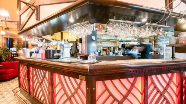 La Taverne Royale Vue de la salle