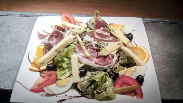 Le St Maurice salade bastartare aux 2 saumons et baies rosesque