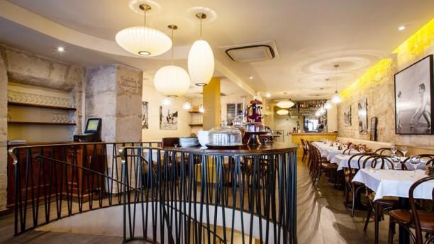Café Louise Vue de la sallle