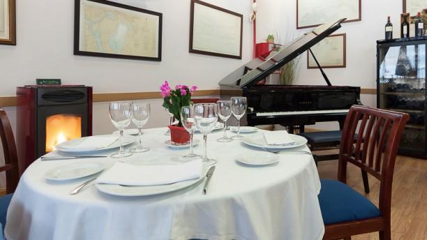Restaurante la buganvilla san sebasti n de los reyes en for Padel san sebastian de los reyes