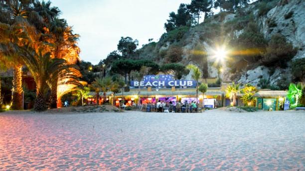 Beach Club Cala Llevadó El ambiente