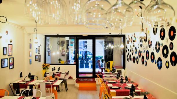 El 90 Restaurante Bar Vista de la sala
