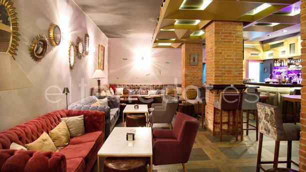 Angelita Madrid - Bar Americano Vista Sala