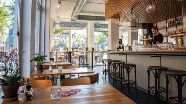Bar Bistro Belleami Restaurant