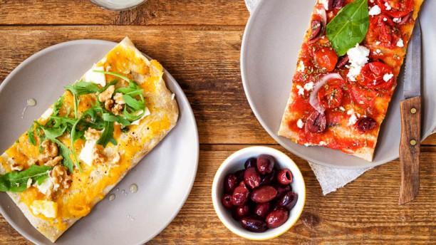 Sugo - Aert van Nesstraat Kleurrijke pizza al taglio