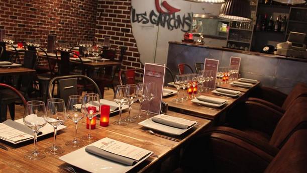 Les Garçons Restaurant